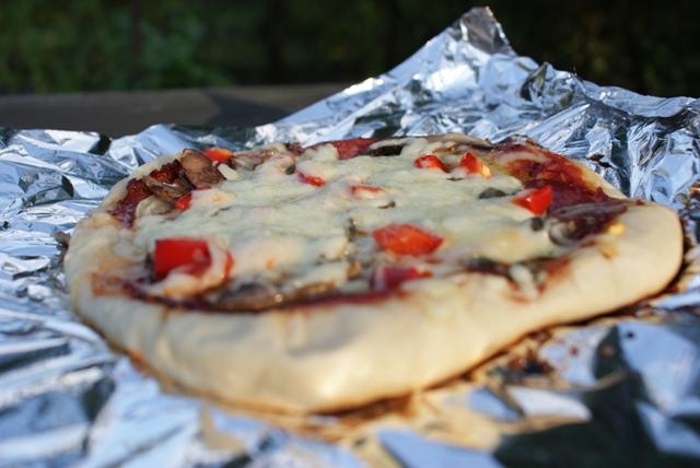 pizza pieczona na grillu