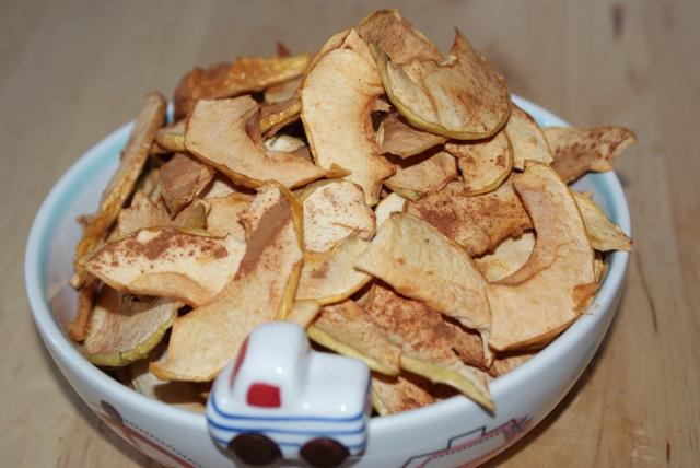 chipsy jabłkowe z nutą cynamonu