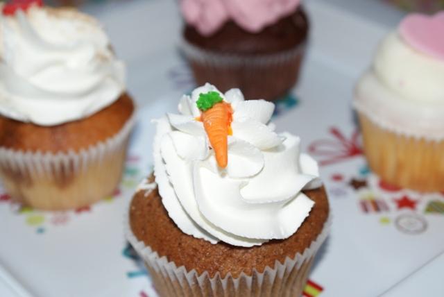 marchewka :) czyli cupcake z ciasta marchewkowego ;)