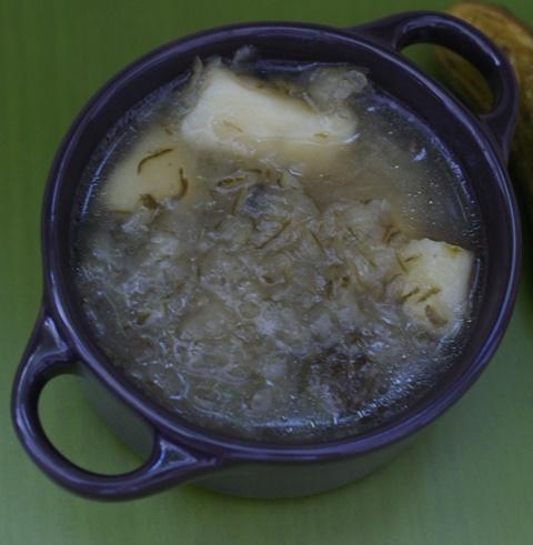 zupa ogórkowa na ogórkach małosolnych małosolniakach